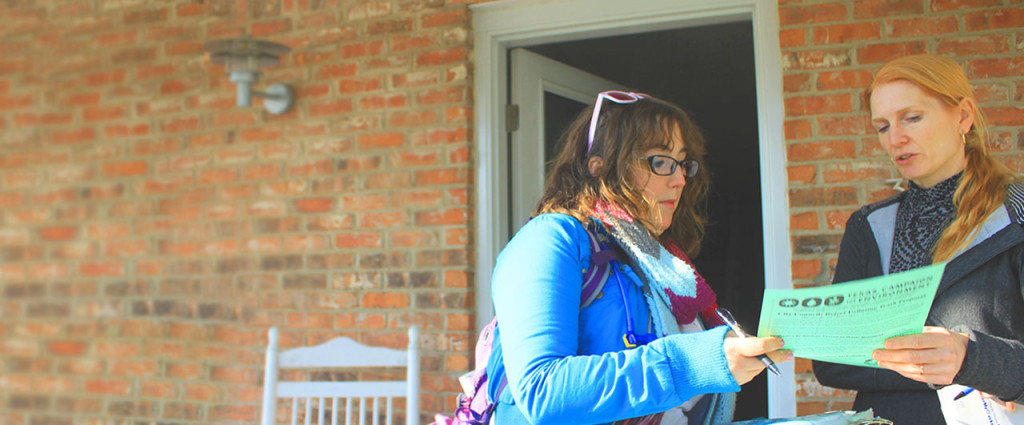 Canvasser at Door  sc 1 st  Texas C&aign for the Environment & Door-to-door Initiative To Promote Electronics Recycling - Texas ...