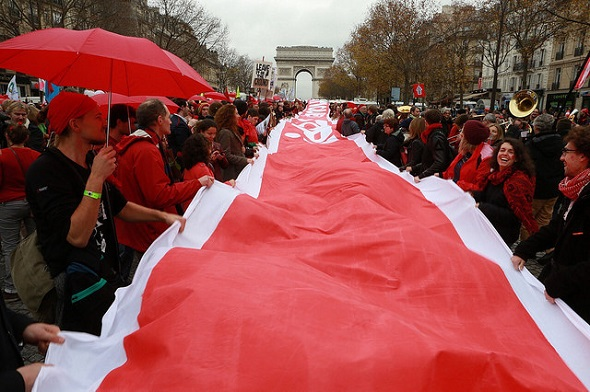 redline banner paris